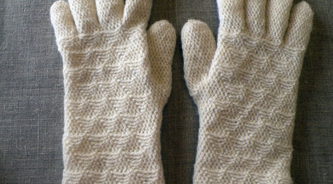 Virkattuja sormikaskokeiluja